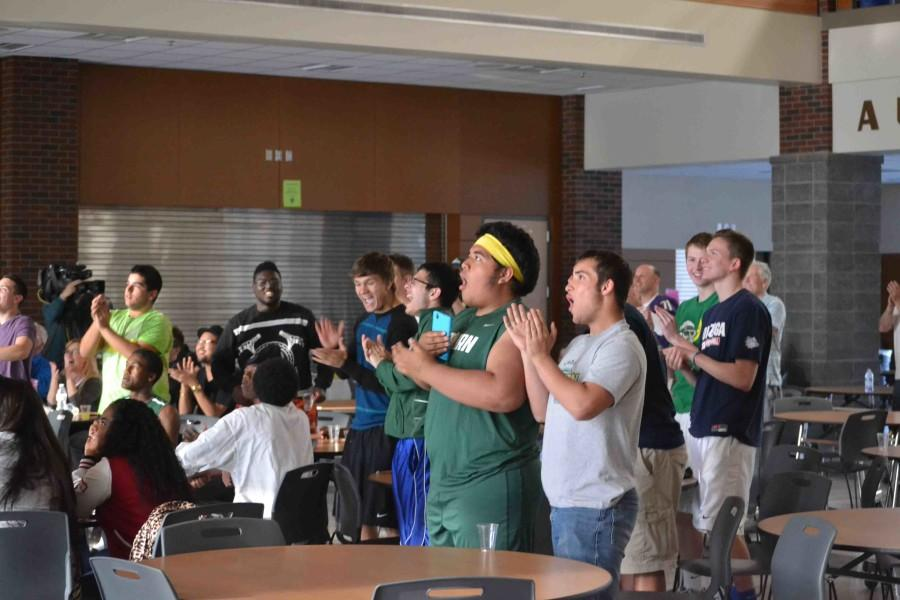 Students, staff and friends fill the AHS Commons on April 30 watching the NFL draft coverage.